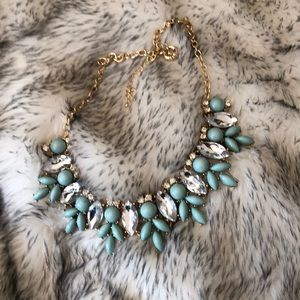 Jewelry - Stunning Statement Necklace
